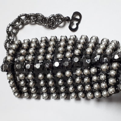 Christian Dior necklace, grey lacquered metal with pearls, choker, CD metal hangtag. €690