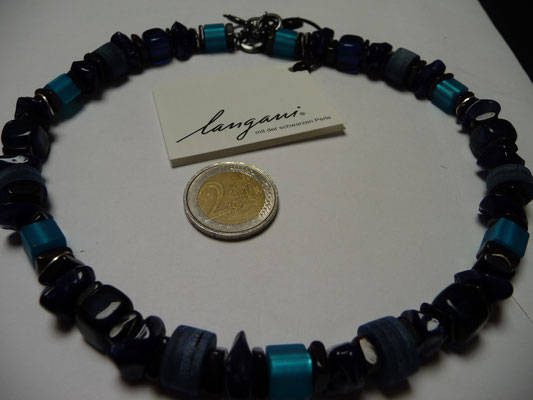 Langani Kette - Minkwalzel, Glaskegel, Muschelscheiben, Silberplättchen - €124