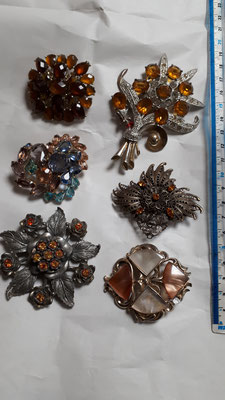 Vintage brooches in autumn tones, original...