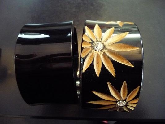 black one is sold, carved model €130