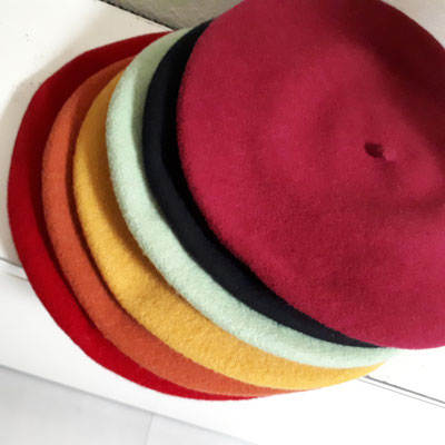 Pure wool, reine Wolle alle Farben €25, one size, eine Größe.
