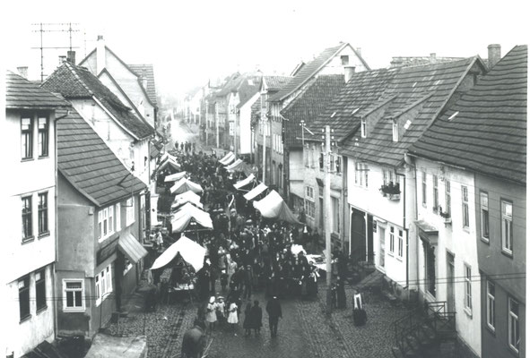 Kalter Markt Obertorstraße um 1925 (Bild Stadtarchiv Schlüchtern)