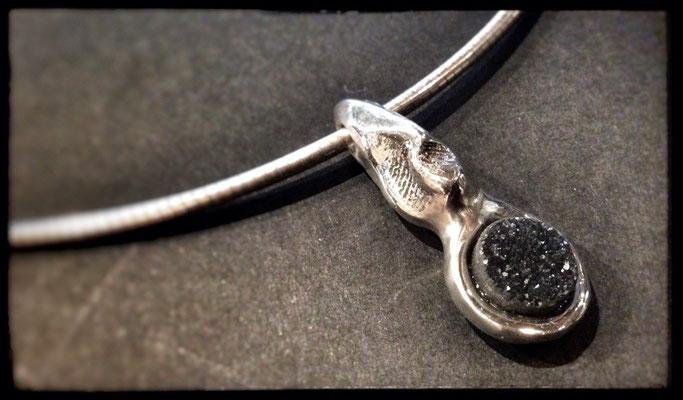 zilver met gekristalliseerde onyx