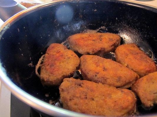 2 Kochbananen für etwa 10 Empanadas