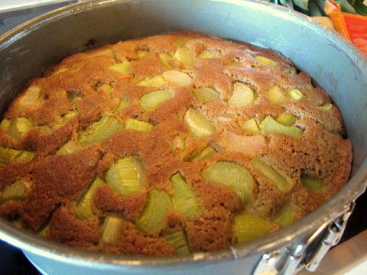 Paleo Rhabarberkuchen