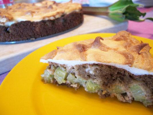 Paleo und glutenfrei - Rhabarberkuchen mit Baiserhaube