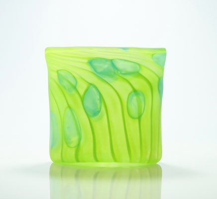 Vase, oval, gesandstrahlt, saatgrün, Höhe 15,5 cm, Breite 15 cm