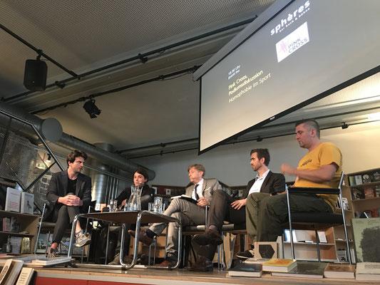 """Podium zum Thema """"Homosexualität im Sport"""", durchgeführt von Pink Cross im Rahmen der Zürich Pride"""