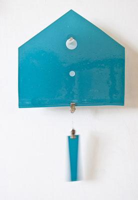 Glaspanel in Form einer Hausfront, 24 cm x 22 cm, Farbglas türkis, mit Pendel