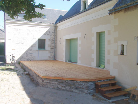 Terrasse Douglas sur muret ardoises