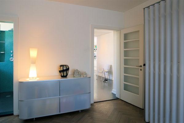 8-Zimmer Wohnung Höngg Schlafzimmer