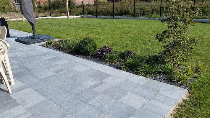 Espaces terrasse les jardins de la scarpe paysagiste for Comment nettoyer une terrasse en pierre