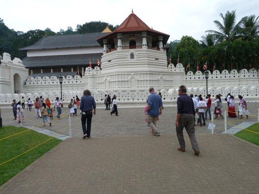Besuch im Tempel