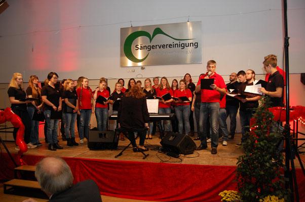 Chorios von der Sängervereinigung Schaafheim unter der Leitung von Christina Krapp