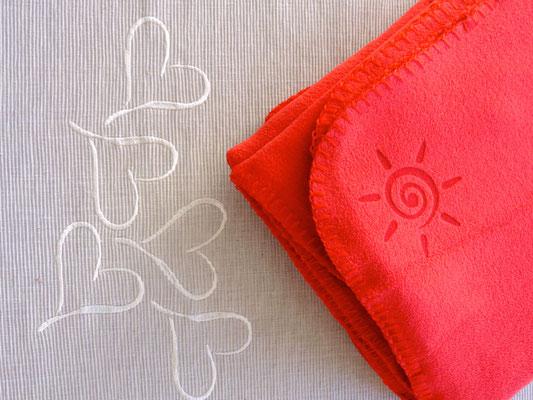 Flauschy - Fleecedecke für Terrasse in rot