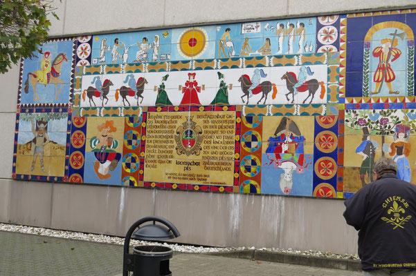 Eine Wandtafel vor dem Eingang zur Brauerei