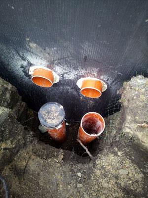 Verrohrung für Teich verlegen Verrohrung für Bodenabläufe und Skimmer