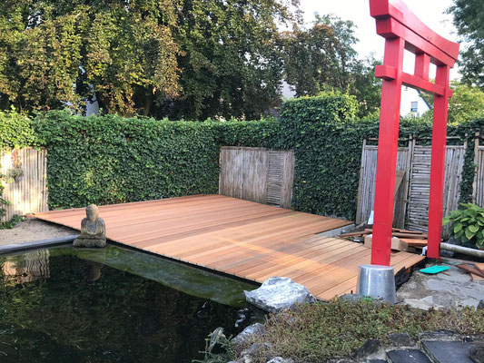 Japanisches Torii bauen und aufstellen Koiteich im japanischen Garten selber bauen