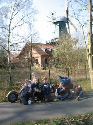 vor der Oldenburger Mühle; Foto: Karin Stolle