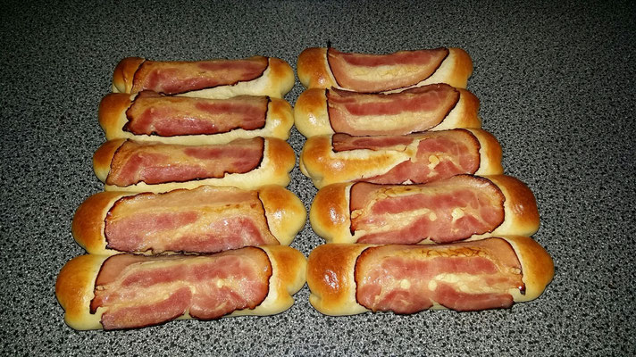 Worstenbroodje met spek Tilburg Goirle