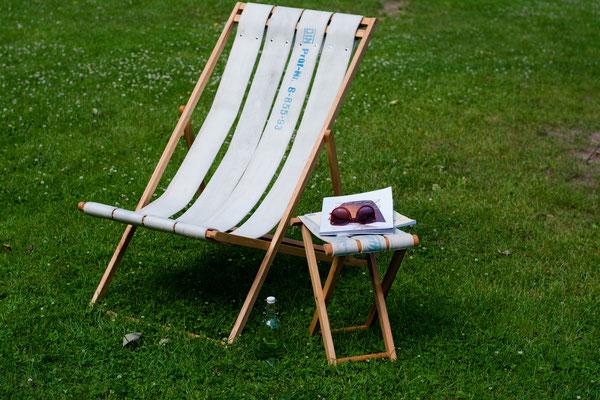 DIEVERS Liegstuhl und Hocker aus witterungsbeständigem Holz mit Sitzfläche aus Feuerwehrschlauch
