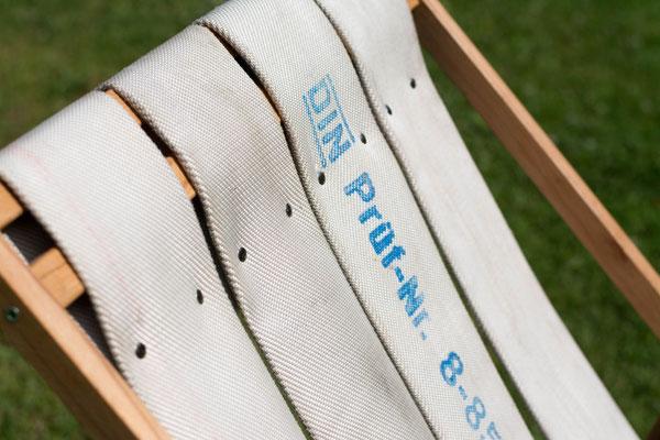 DIEVERS Liegestuhl mit einzigartigem Druck auf der Sitzfläche aus Feuerwehrschlauch BY ALEXANDER LIPPERT