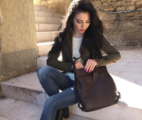 Margelisch, leatherbag, Nuria 1