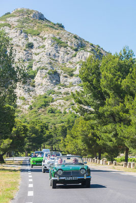 """""""L'Échappée Belle"""" édition 2 : le road trip du Hameau en cabriolet vintage, destination Camargue-Luberon"""