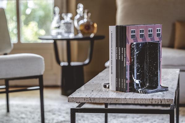 Charle et Elie, les serre-livres du designer Piergil Fourquié pour Monolithe édition