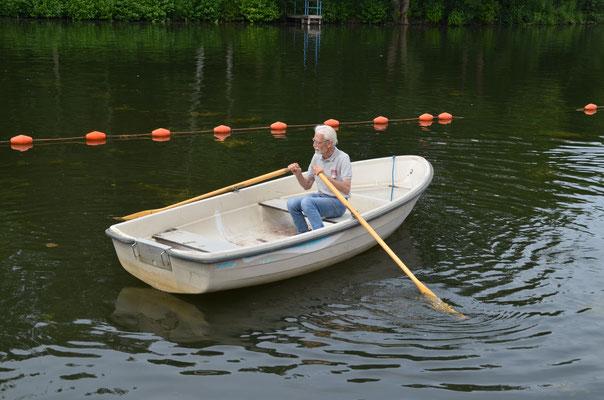 Nein, dieses Boot ist nicht ferngesteuert!