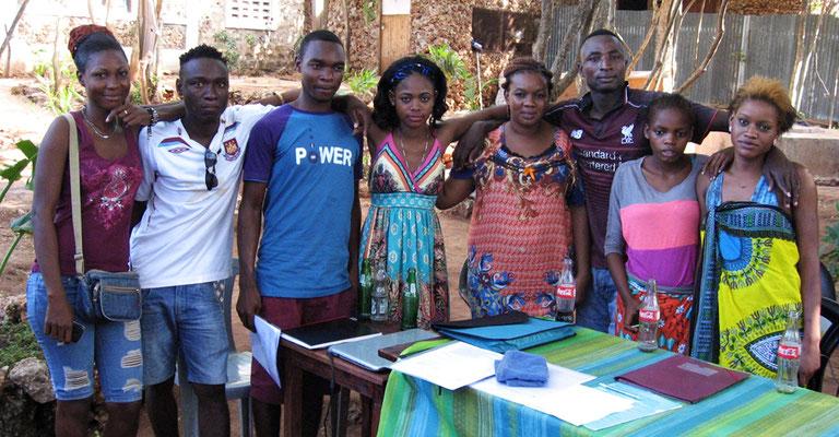 Unsere Mitarbeiter im Dorfcenter Sun*N*Shine in Msumarini/Kenya