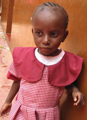Schulkinder unserer eigenen Schule *Moyo Wangu*