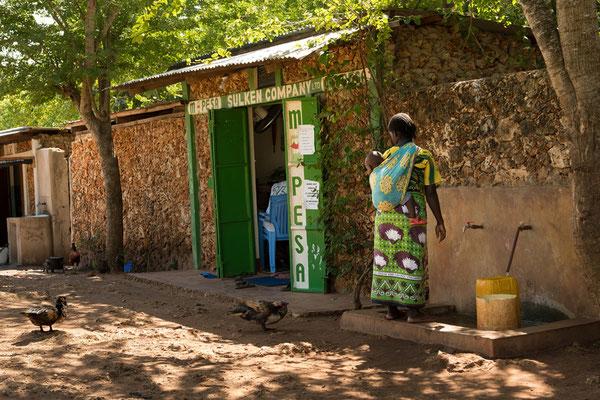 Wassertankstelle für die Dorfbewohner