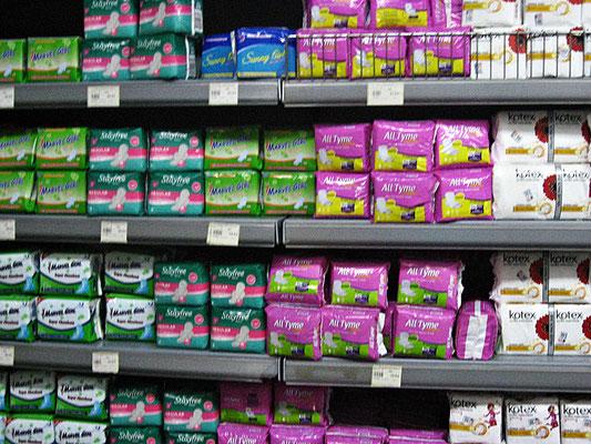 Wegwerf Slipeinlagen im kenianischen Supermarkt