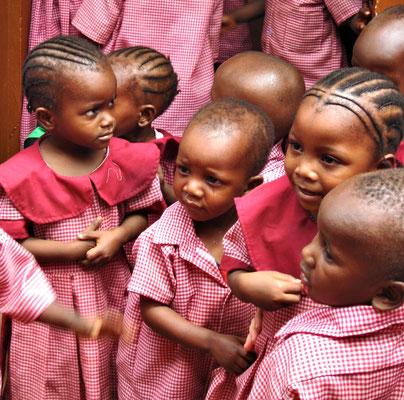 Unsere Schulkinder der  *Moyo Wangu Junior Academy*