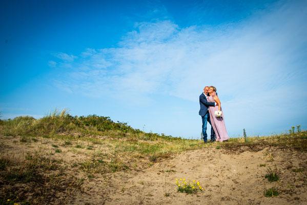 huwelijksreporage in de duinen