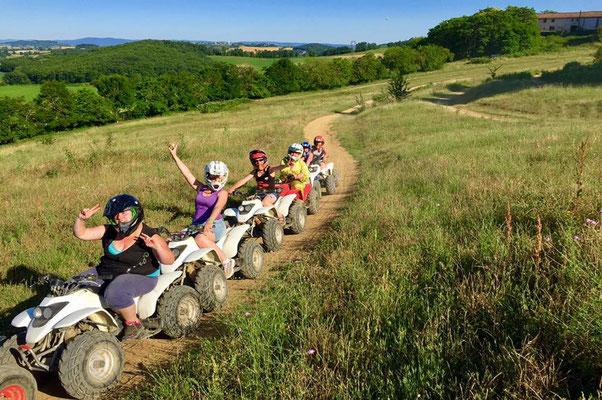 Randonnée en moto chez Aubépine Quad en Pays de Cocagne, randonnée en quad Puylaurens