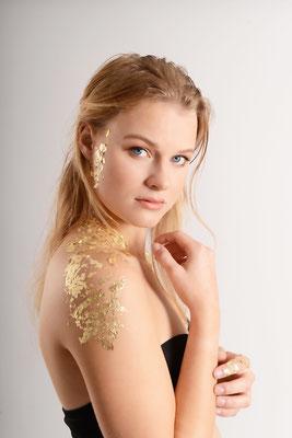 Gold Leaf - Model: Michelle Janssen - Photographer: Johan Bouwmans Fotografie