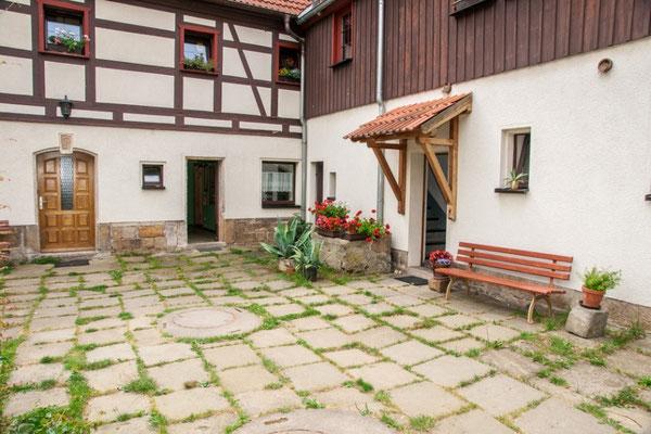 Bauernhof Wacker - Eingänge zu unseren Ferienwohnungen