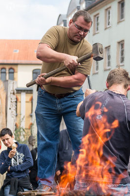 """18. Metallgestaltertreffen """"Gotha glüht"""" auf dem Gothaer Buttermarkt zum Thema """"Stille"""""""