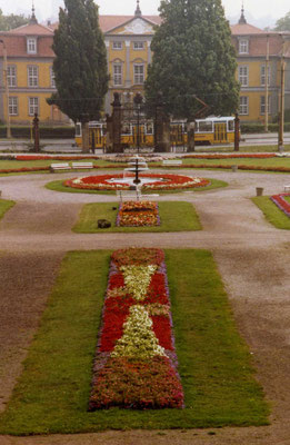 Gotha Orangerie 1989 - CC BY-SA 2.0 sludgegulper/flickr