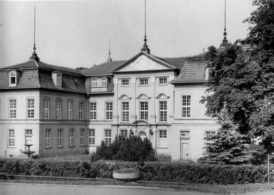 Gotha - Schloss Friedrichsthal 1986 - Quelle: Broschüre Gotha Das Tor zum Thüringer Wald (Magistrat der Stadt Gotha)
