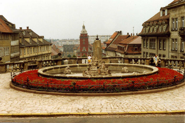 Gotha Wasserkunst /Rathaus 1989 -  CC BY-SA 2.0 sludgegulper/flickr