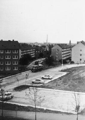 Gotha Aug.- Creutzburg -Str (aus HausNr 15) ParkPl Ri Stadt 08.07.1980 - Peter Kalbe