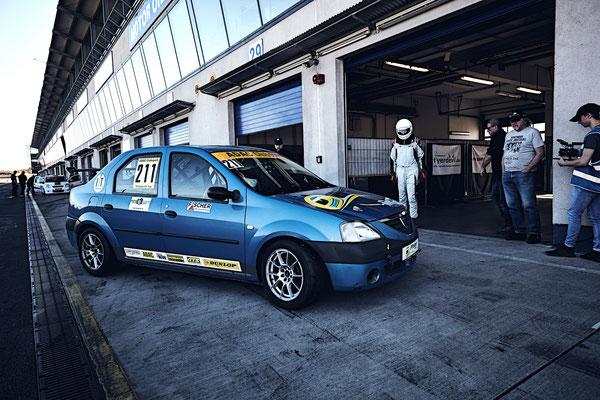 ADAC Dacia Logan Cup Pfister Racing #211 Dennis Bröker / Lucian Aron Fahrerwechsel