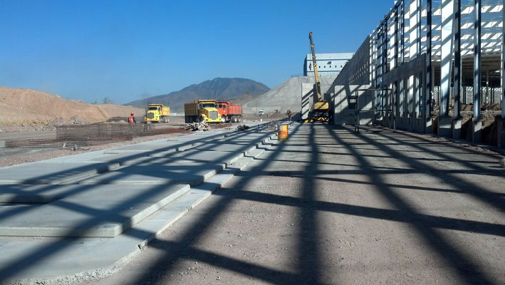 Hoja de Malla 66-66 15m2 y Armex 10x10-4 para muros prefabricados en Parque Industrial CPA