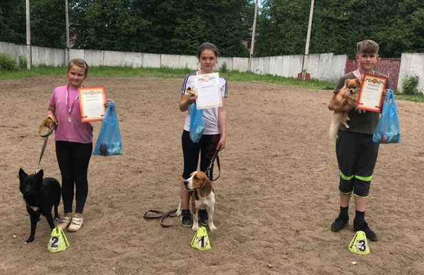 Лиза Кузнецова и Жэйт - 1 место (мини+той, юниоры, 1 трасса)