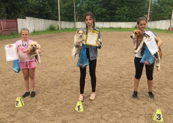 Катя Сычёва и Ася - 1 место, Лиза Кузнецова и Жэйт - 3 место (мини+той, юниоры, 2 трасса)