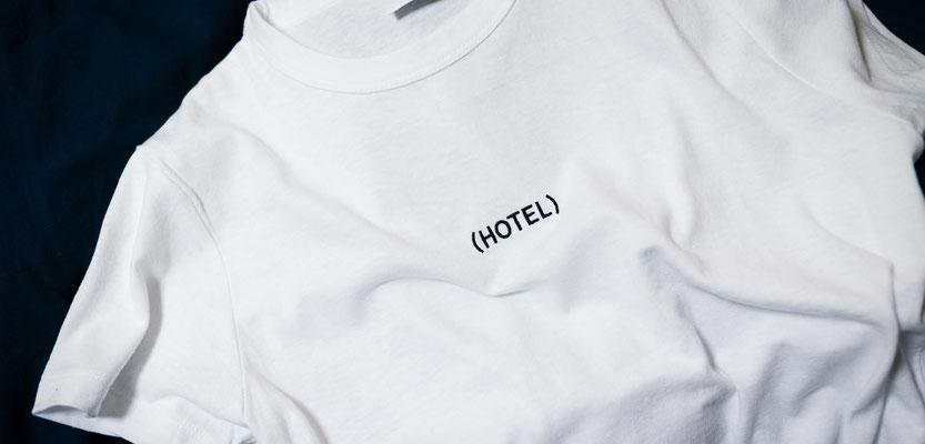 Feld Textil mit DTF Textildruck digital - Transferdruck digital und Stick individual - www.krawatten-tuecher-schals-werbetextilien.de - Textilveredlung und Corporate Fashion der nächsten Generation. Reduktion aufs Wesentliche