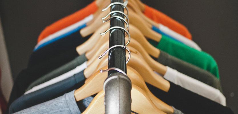 Feld Textil mit DTF Textildruck digital - Transferdruck digital und Stick individual - www.krawatten-tuecher-schals-werbetextilien.de - Textilveredlung und Corporate Fashion der nächsten Generation. Alle Farben
